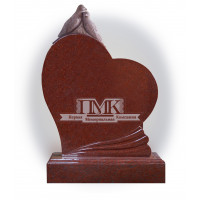 Памятник из красного гранита К-11 Голубь и голубка на сердце