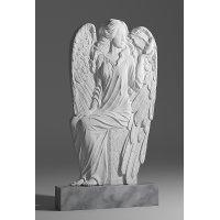 Резной памятник в виде ангела из мрамора коелга